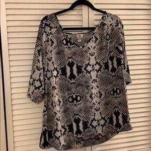Worthington black and white snake print dress top